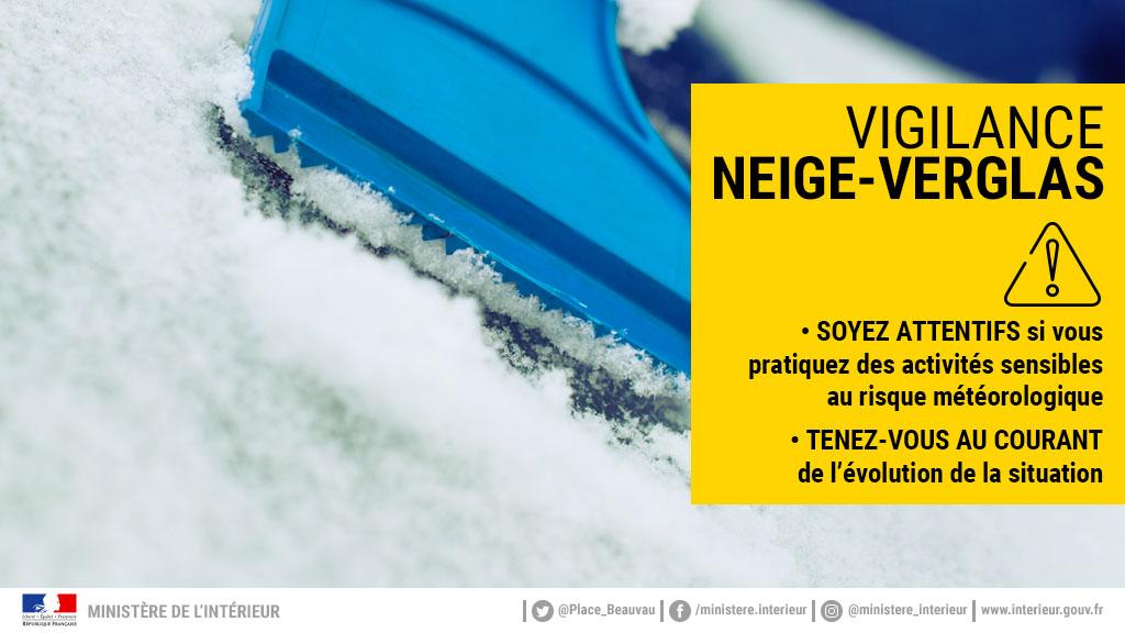 ⚠️ ❄La #Gironde est en vigilance jaune #neigeverglas. Soyez particulièrement vigilant lors de vos déplacements. Suivez l'évolution de la situation sur meteofrance.com https://t.co/zZlxm8z6CH