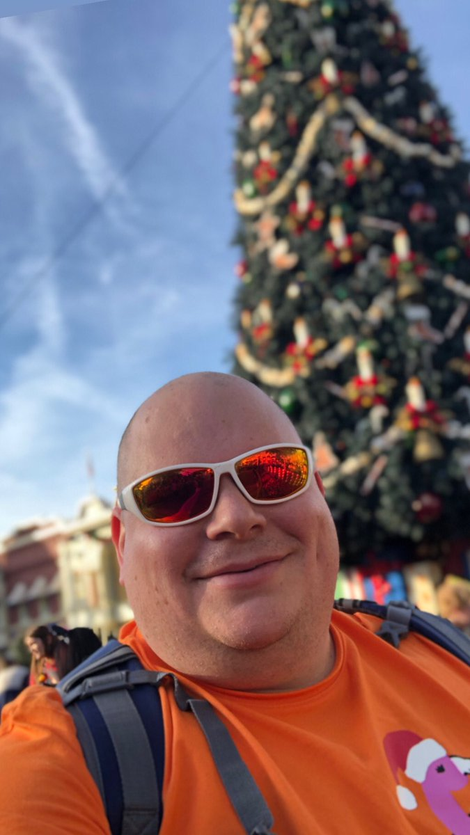 Let's keep this positive! Show me you last #DisneyWorld #disney or #universalorlando pictures you took on your phone! Bonus points for #Orlando and #foodpics #fun #sharing #COVID19 #Isolation #disneychristmas #lastpicture