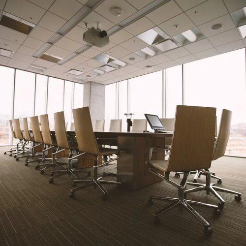 Molti hanno scoperto gli strumenti di #collaborazione come quelli per le videoconferenze e non solo nel mondo del lavoro. Fra i più usati #Google #Hangouts #Meet, #Microsoft #Teams e #Zoom #Meeting.  L'articolo https://www.ilsoftware.it/articoli.asp?tag=Coronavirus-Microsoft-Teams-in-versione-avanzata-e-Google-Meet-gratis_20832…  #smartworking #collaborationpic.twitter.com/2b0Z0bURsf