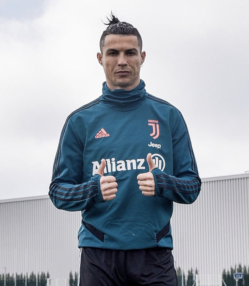 Monday motivation  Remember to stay home, stay healthy and safe  Follow @c_ronaldo_updates on Instagram for latest cr7 updates  #cr7 #sportinglisbon #ronaldo #mufc #juventus #halamadrid #football #portugal #men #greatest #beastmode #cute #ronaldo #followforfollowback pic.twitter.com/izKgg9Cl4A