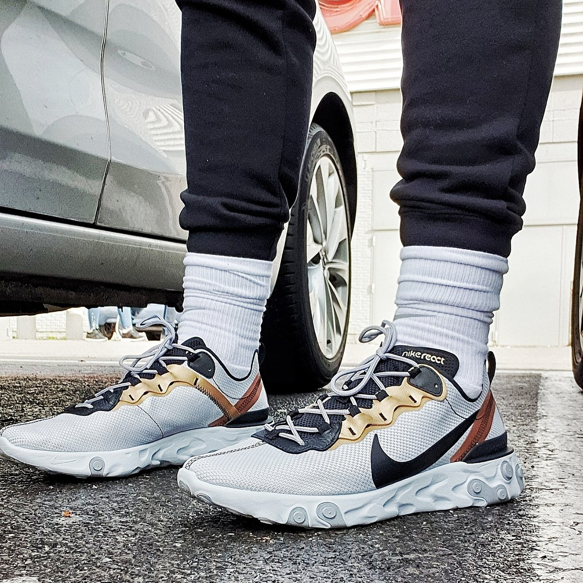 Nike React Element 55.. One of the best Nike shoe of 2019 for sure.. #nike #React #sneakers pic.twitter.com/unPBkJfoRE