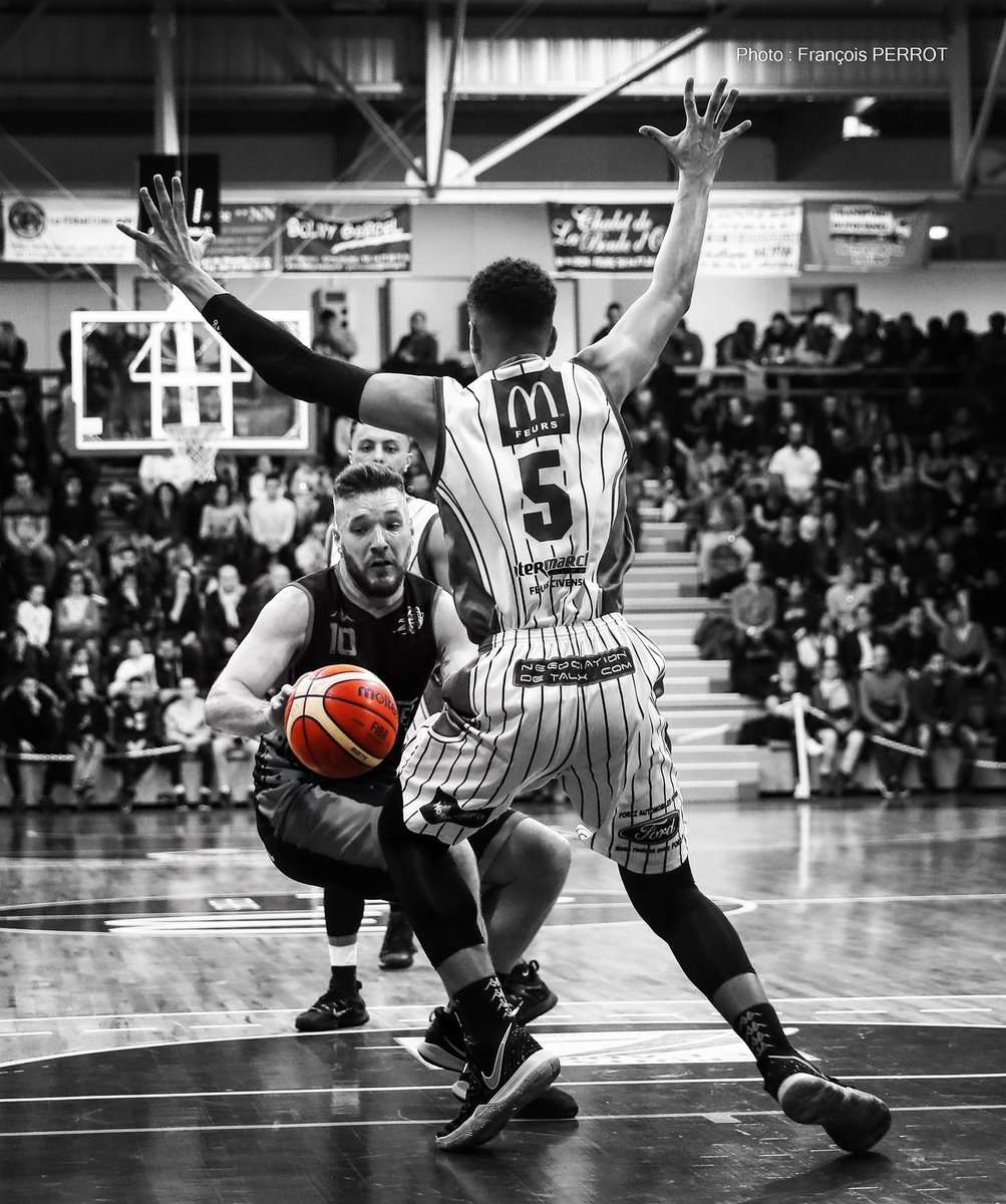 #photo #basket Stop ! Les compétitions fédérales arrêtées sur décision de la @ffbasketball #Covid_19 #coronavirus #basketball