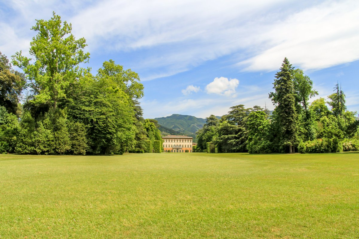 Villa and garden near Lucca, Italy. #italy #MondayMood #garden #green #trees #landscape #landscapephotography #landscapedesign #photo #photographer #photography #picoftheday #villa #outdoorphotography #travelphotography #NaturePhotography