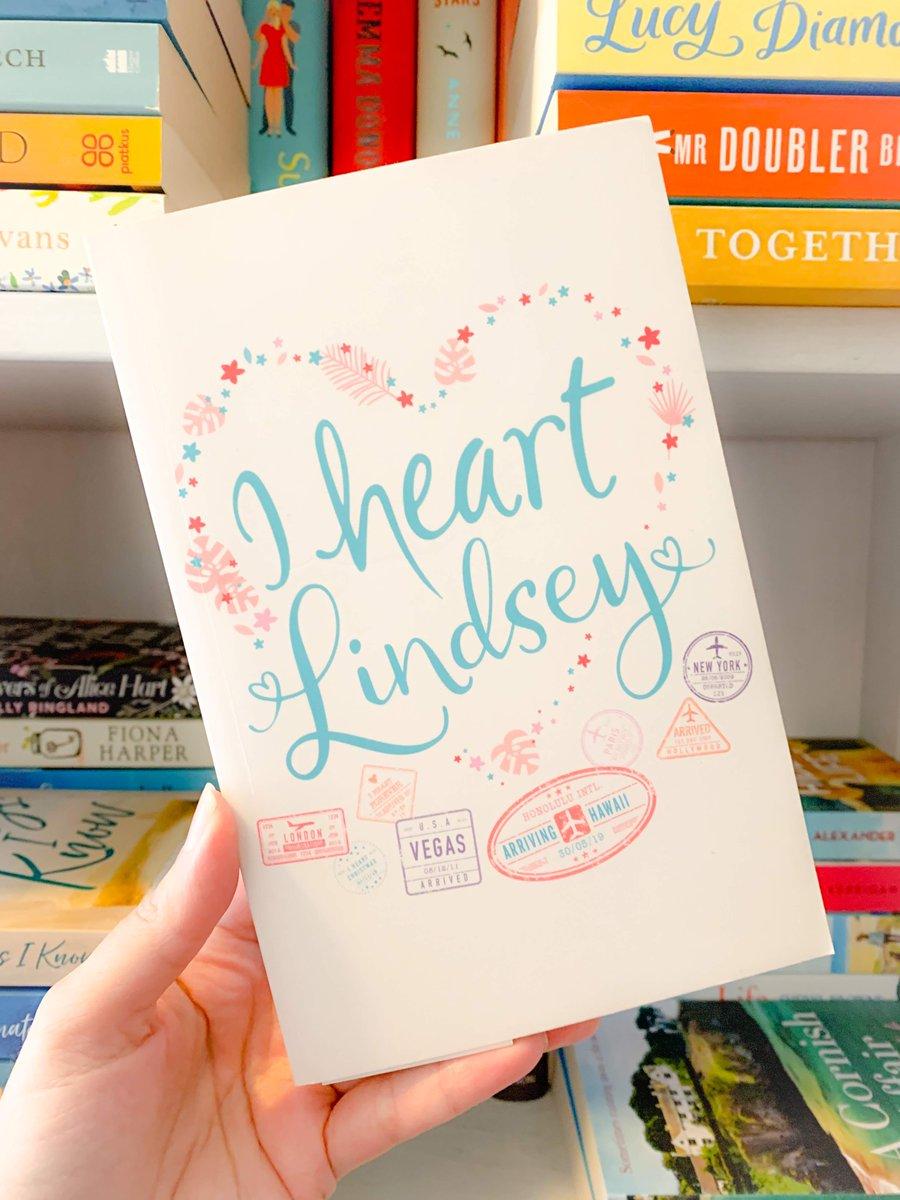 Book 52 on my #bookcasetour and #TBRjar  I Heart Hawaii by @LindsayKelk @harpercollinsuk  What did you think? No spoilers, please.  #bookblogger #scottish #selfisolation #booksmyshelf #bookstagram #followthetour #booklove #authorlove #mybooks #gratefulpic.twitter.com/zuDvVxF89a