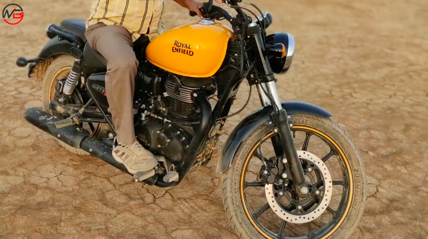 New #RoyalEnfield #motorcycle confirmed as '#Meteor350', launch imminent? https://shifting-gears.com/royal-enfield-meteor-350-spotted-in-kutch-gujarat-launch-imminent/…pic.twitter.com/LDQ0jyPhBW