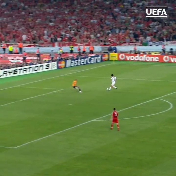 🇧🇷 Throwback to these Kaká assists 😍 🔥 @KAKA #UCL | #MondayMotivaton