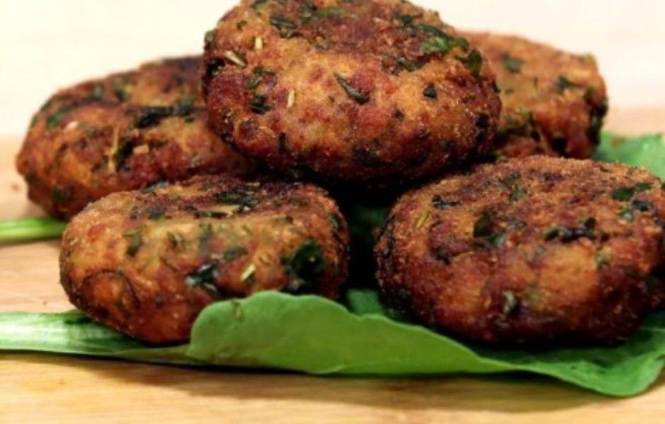 Spinach and Potato Cutlet  A simple, healthy and delicious evening tea time snack.  Get the recipe at   #cutlet #spinach #potato #healthyfood #evening #teatime #snack #appetizer #recipe