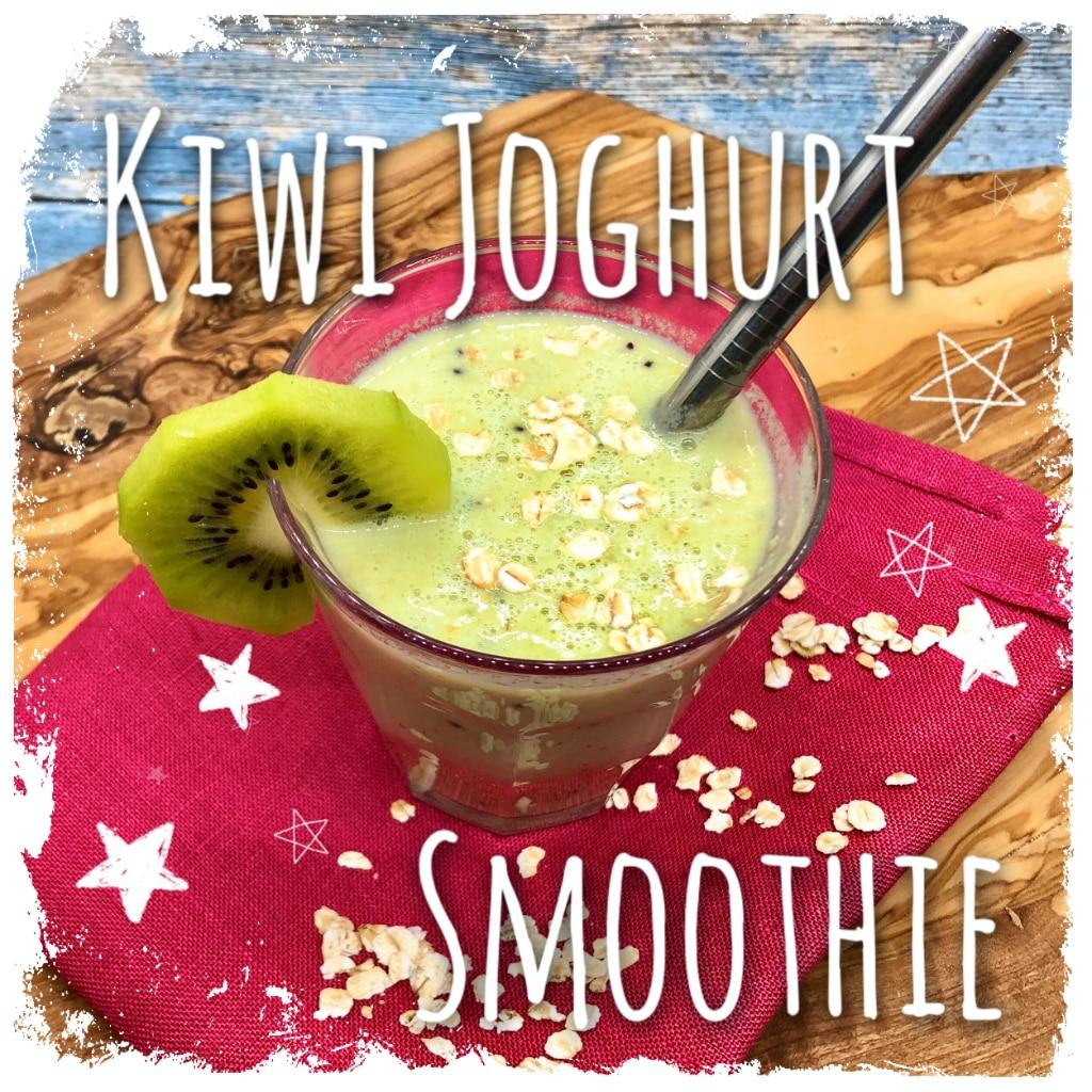Kiwi Joghurt Smoothie ♥ schnell, gesund & lecker in den Tag! Schmeckt erfrischend lecker zwischendurch und als gesundes Frühstück mit vielen Vitaminen & Banane.  #Kiwi #Banane #Joghurt #Smoothie #gesund #frisch #lecker #vegetarisch #Rezept #recipe