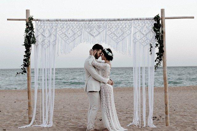 You light my soul on fire #bridalshop #bridalshopping #bridal #bridalboutique #bridebouquet #bride2020 #casamiento #sayyestothedress #weddingdress #bridetobe #engaged #weddingtips #weddingfashion #weddings #bridalinspiration #bride #modernbride #weddinggowns #weddingstylepic.twitter.com/wxHROBW79d