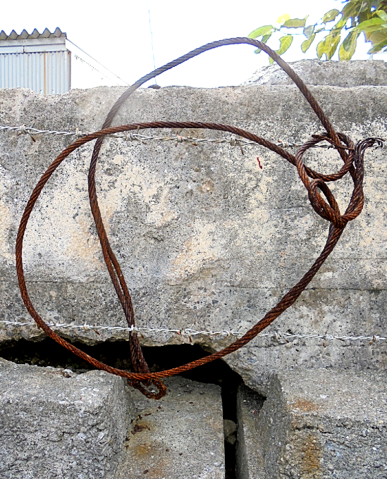 現代彫刻 Modern sculpture  Art on the Beach Iriomote Island  tripple050330  #art #artwork #アート #アートワーク  #現代彫刻 #modern #sculpturepic.twitter.com/eh8Yz15I3a