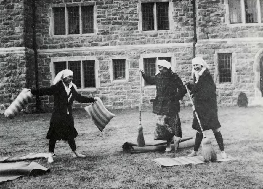 test Twitter Media - Early students at @ConnCollege were quarantined to campus during the 1918 flu outbreak. A century later the #ConnArchives wants your #COVID19 experience. Help be a part of history! Share your story at:  https://t.co/1PQQVKxfhl https://t.co/Fij4rtYl3z