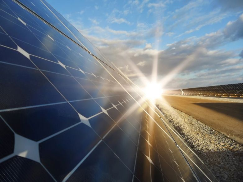 2D ingredients make perovskite solar cells much more long lasting in the Sun #solar #solarcell #solartechnology #perovskite #solarefficiency https://list.solar/news/2d-ingredients/…pic.twitter.com/l1kQ4EYBo1