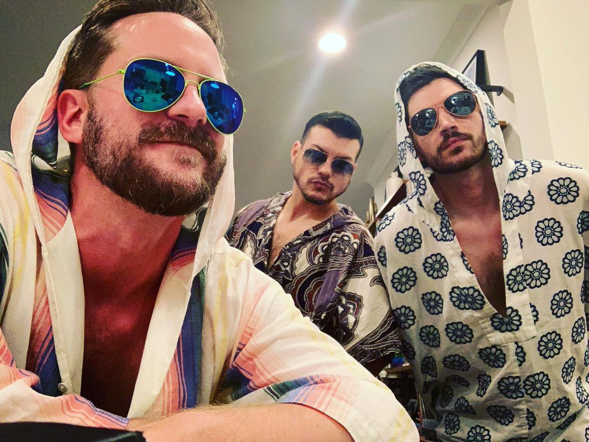 Update from the @thesteamboatwillies : it's caftans every day until the world is back open for business 😎✌🏼#CaftanFriday everyday? #MTOptimism #MrTurk #MrTurkStyle