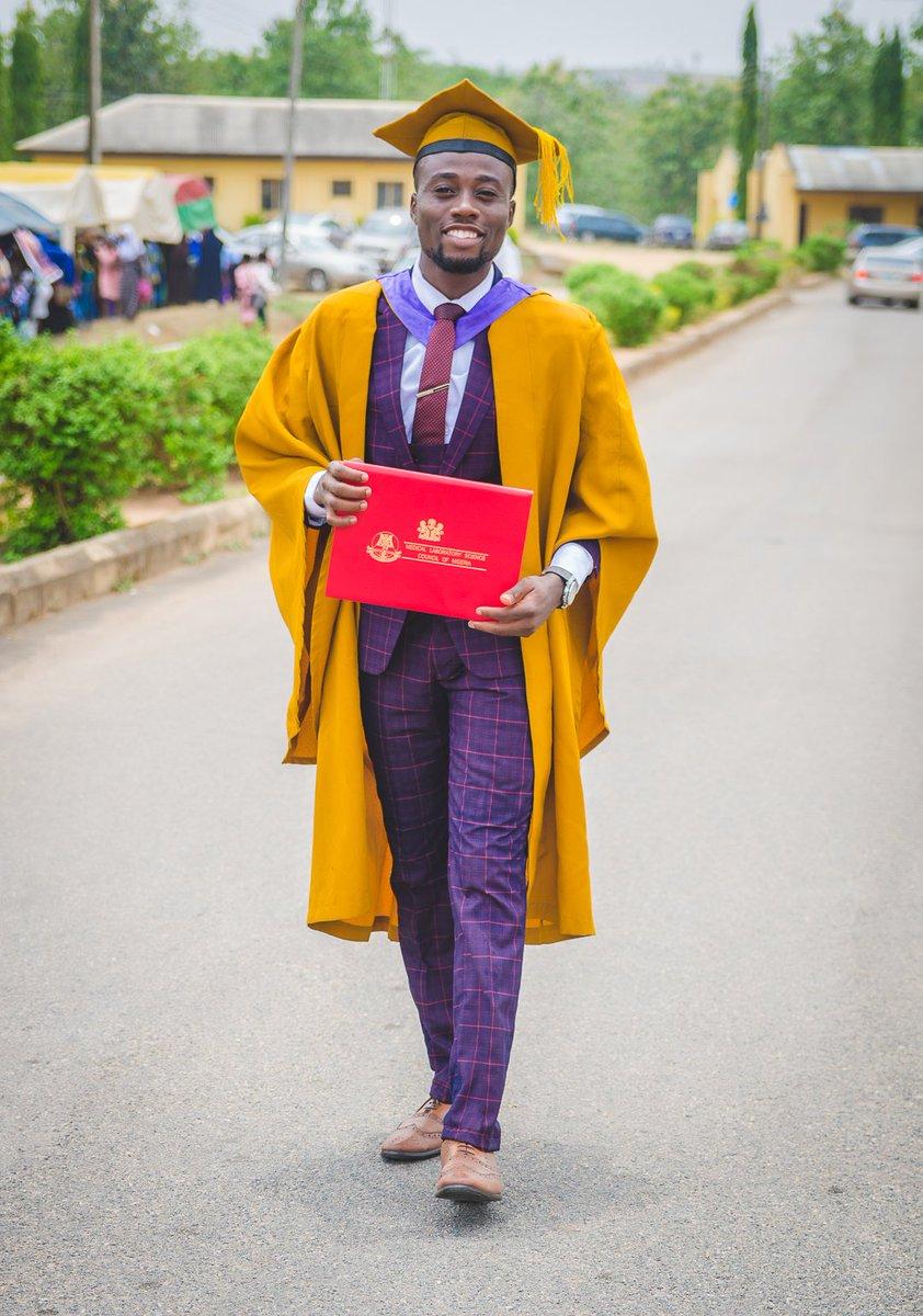 BMLS, Medical Laboratory Science (LAUTECH, Nigeria), 2020. MSc/PhD in view #GraduationChallenge @OgbeniDipopic.twitter.com/Efi9FjpZZA