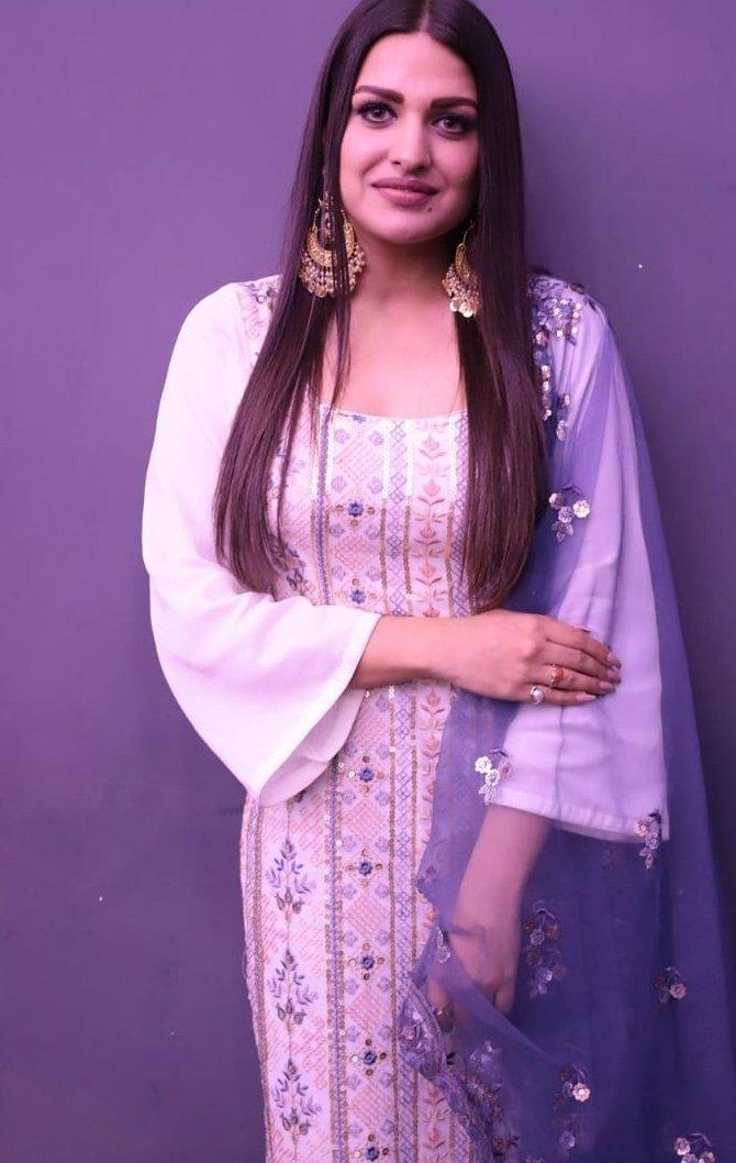 Who is more Beautiful actress ? 👌👈  🔃 Retweet For--#HimanshiKhurana ♥️ Like For --- #ShehnaazGill 👼  #BiggBoss #biggboss13 #sidnaaz #Asimanshi