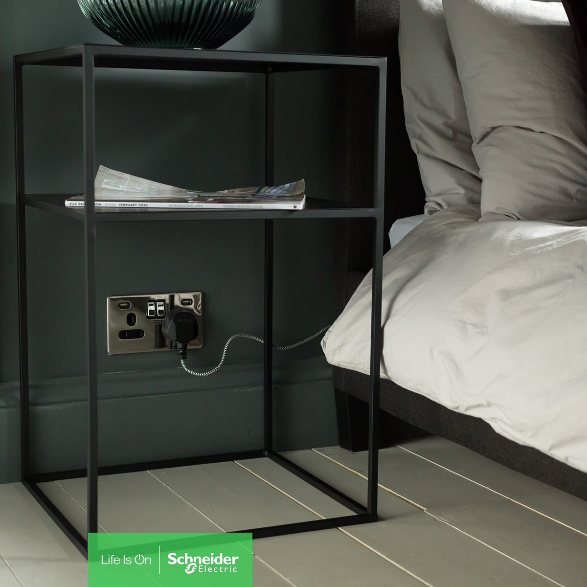 Whether you are looking for an elegant or contemporary twist on traditional designs, our #Ultimate  Range offers high-quality finishes to complete your interior look.  #LifeIsOn   https://www.se.com/uk/en/work/products/product-launch/local/ultimate/  …