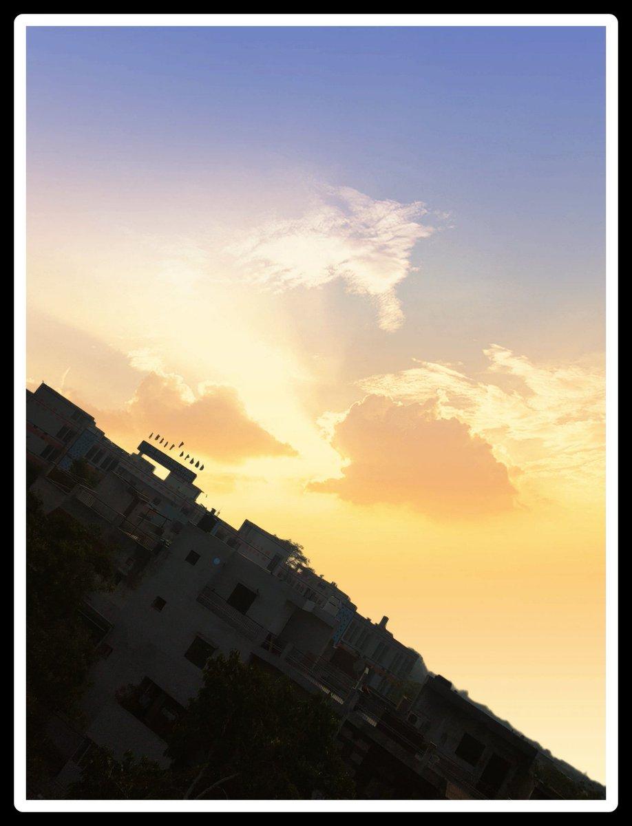 Captured 🏫 school from my balcony in evening time. #realme #Contest #DareToClick #sunset   #RealFunUnlocked   #coronawarriors  #StayHomeStaySafe  #SocialDistancing  #selfisolating