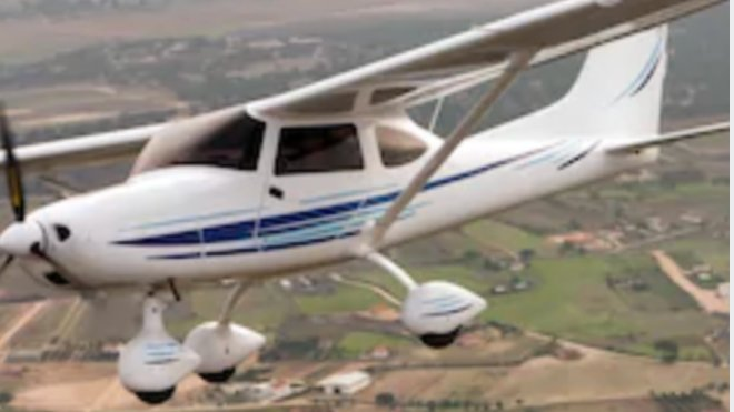 Pilots have always been good at social distancing! 👨✈️🛩️👩✈️👋 #pilotlife #aviation #socialdistancing #soloflight #aerostartraining #aerostar #loveaviation #avgeeks