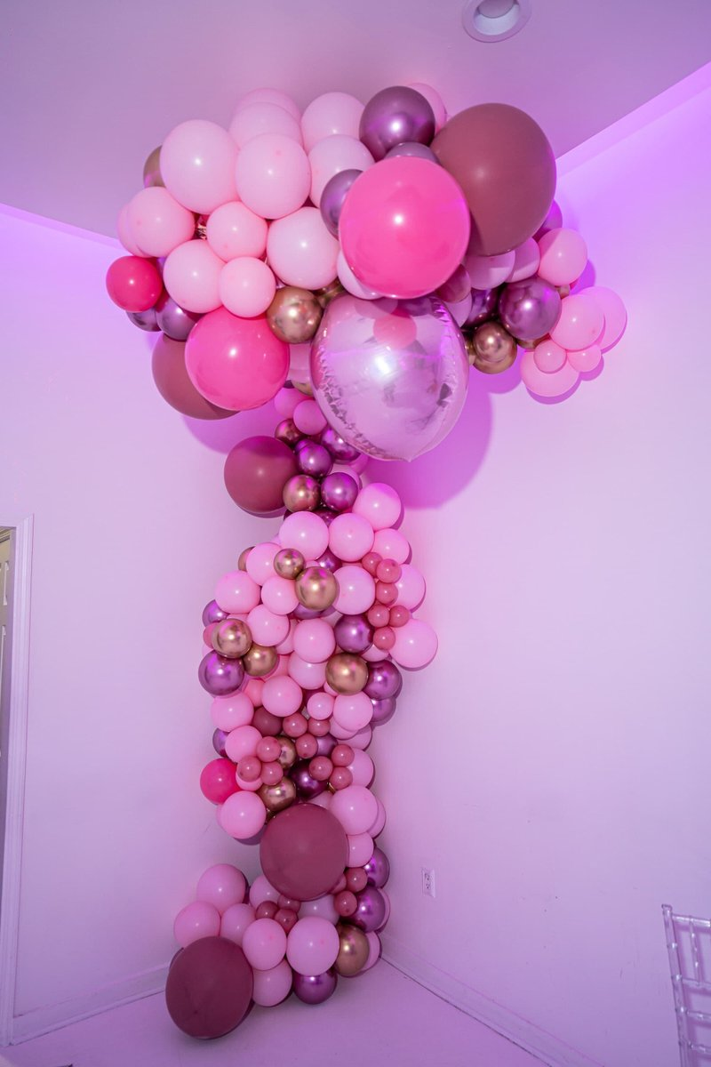 Draped Organic Balloon Garland for Photos and to brighten up the corner room for a birthday party.   #Umojaevents #Atheniaserena #corporateeventplanning #training #balloonclasses #community #party #love #birthdayparty