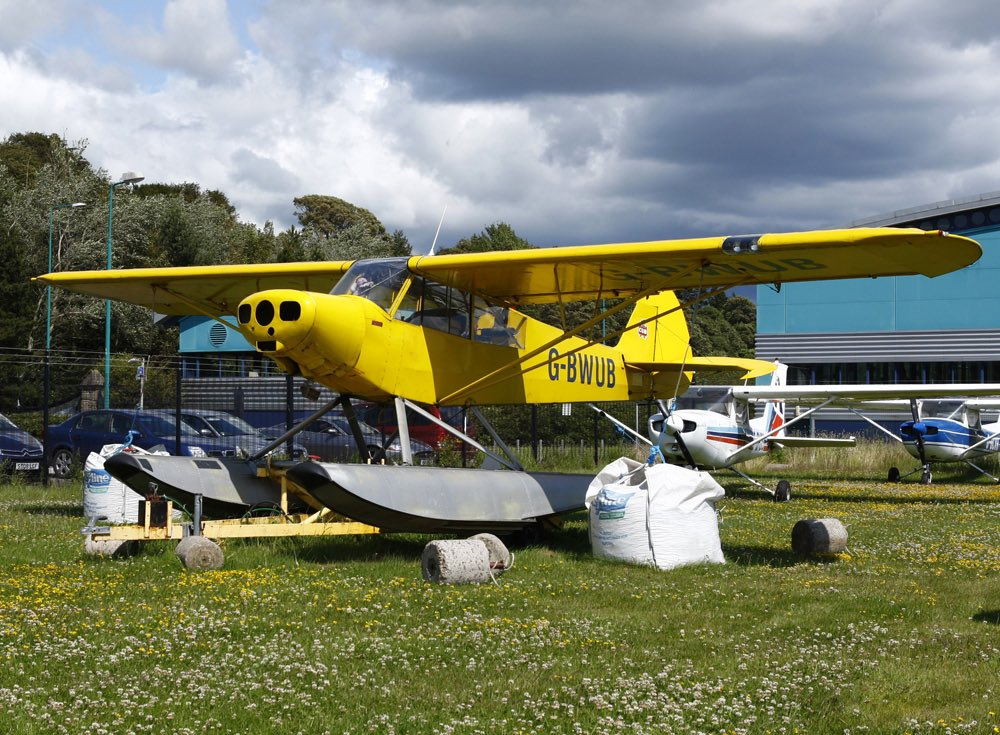 Anyone looking for a good Piper Cub? #Avgeeks #aviationphotography #planespotting