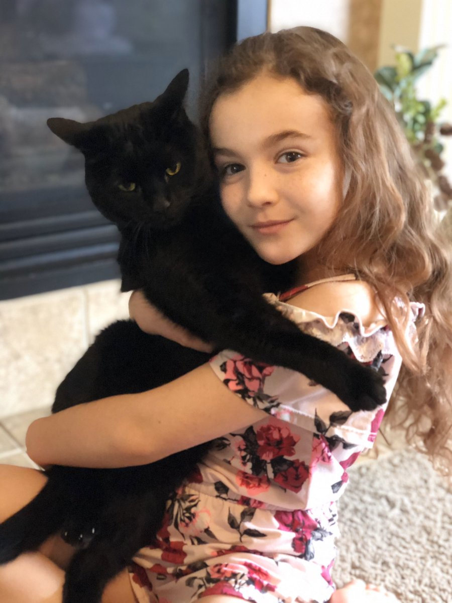 Pet Parade! Charli and Sirius 💜💛 @tuebssd #TUE