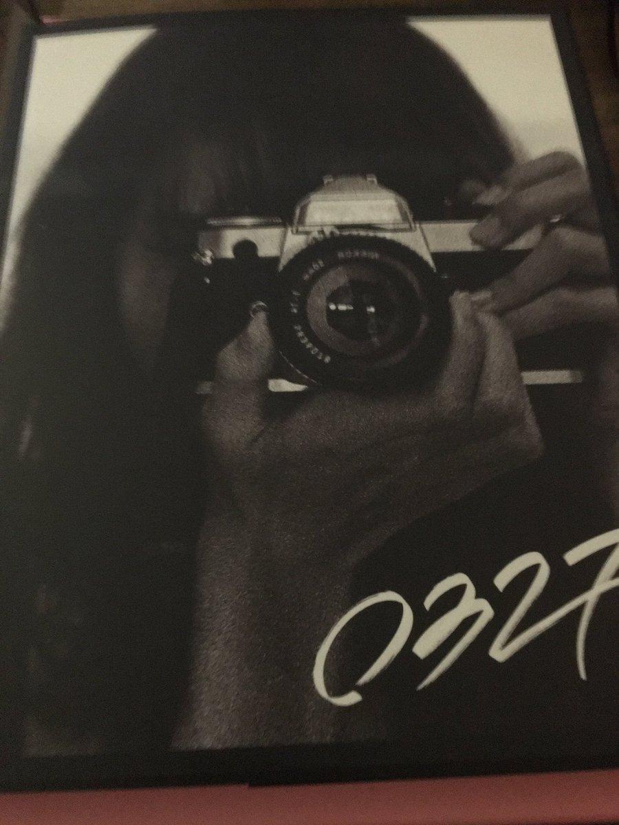 OMG, it's here. The album... I mean the photo album. #LISA #LALISA #리사 #リサ #لیسا #ลิซ่า #블랙핑크 #BLACKPINK @ygofficialblinkpic.twitter.com/Bt5QOVtkyT