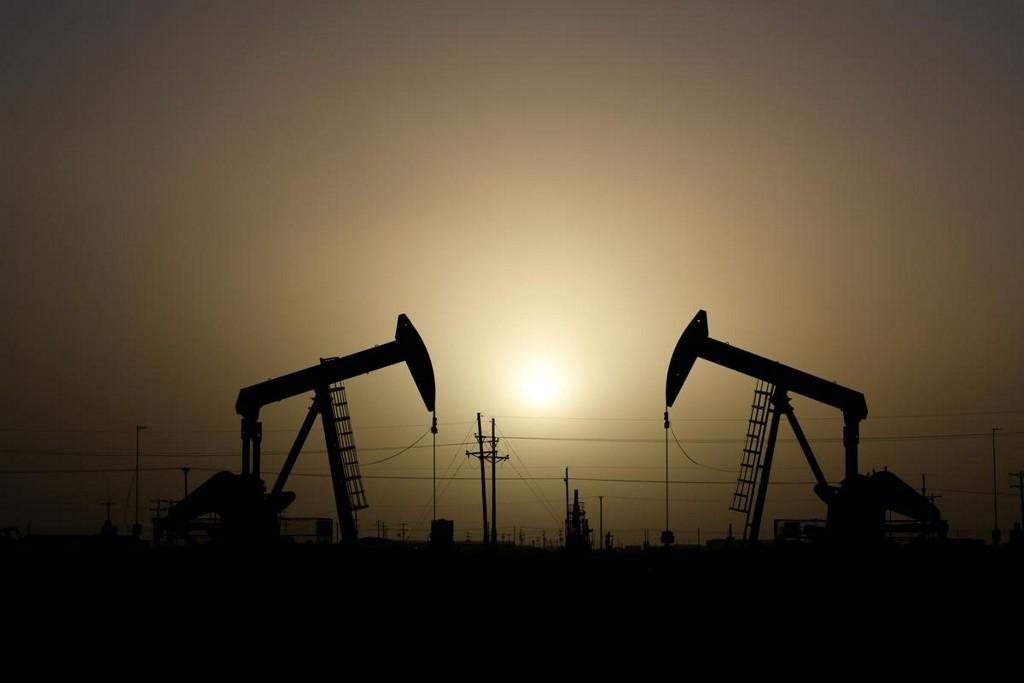 U.S. crude prices at Texas slide to near $10, lowest since late 1998 https://www.reuters.com/article/us-usa-cash-crude-idUSKBN21H2YX?taid=5e826de101cef40001c14f26&utm_campaign=trueAnthem%3A+Trending+Content&utm_medium=trueAnthem&utm_source=twitter…