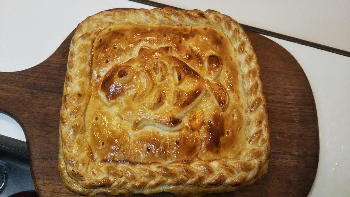 「リクエストで、魔女の宅急便のニシンのパイを作ってみました(笑)」「オニオングラタンスープ」「生牡蠣」等もありました #おうちごはん #板橋 #家庭料理pic.twitter.com/E5jdafd7MT