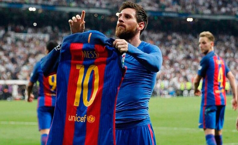 Ronaldo looks up to Messi, not the other way around. Copied one of his most iconic celebration.   Never forget 👏 https://twitter.com/cr7raprhymes/status/1244602048676577281…