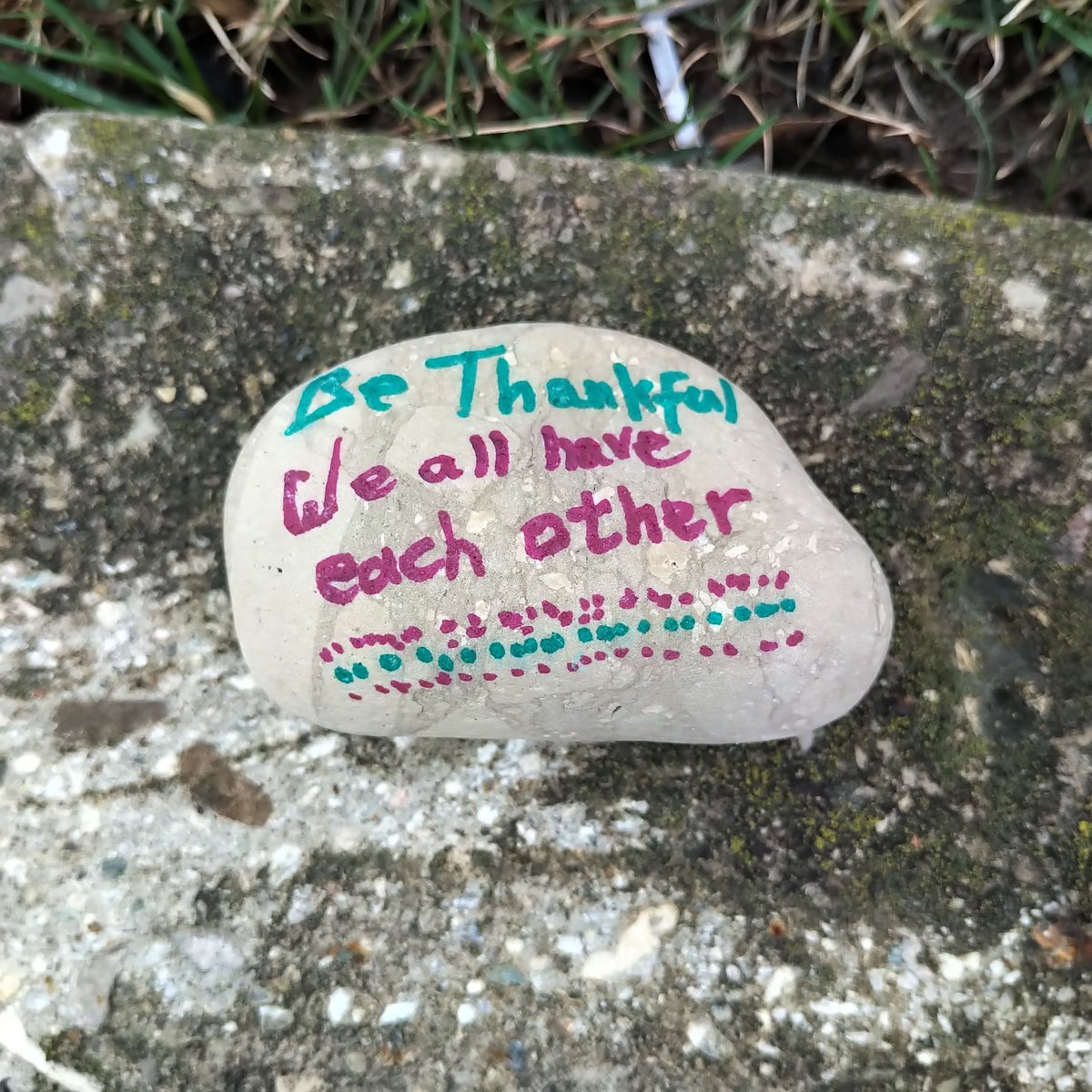 On the curb, at the end of many driveways, I spotted these stones with messages of thanks and hope!!  Keep the spirits high!  #welldone  #wrawesome #kwawesome pic.twitter.com/cw2b0Flc4D