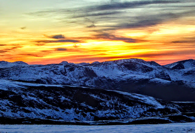 Goodnight  I will leave you with a beautiful Lakeland sunset.  #LakeDistrictpic.twitter.com/xTDer3jJh3
