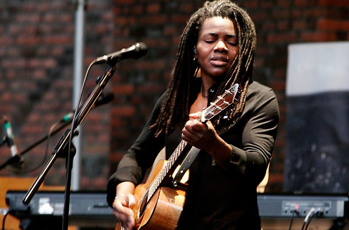 Happy birthday to Tracy Chapman who turns 56 today!
