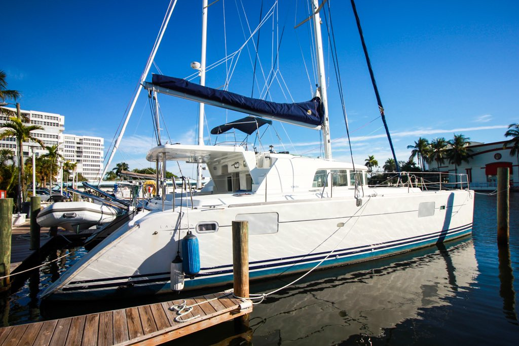 NEW LISTING!  SUNDANCE is a 2004 Lagoon cruising Catamaran for sale with Just Catamarans in Ft Lauderdale. The Lagoon 440 was one of the most popular catamaran designs of all time. $275,000   https://justcatamarans.net/catamaran-listing/2004-lagoon-440-catamaran-sundance/ … #lagoon #catamaran #multihull #lagooncatamaran #justcatamaranspic.twitter.com/xYYSy1oRWc