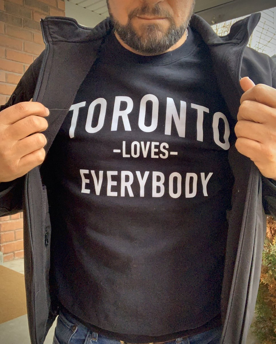 So show it!  #TorontoLovesEverybody #Toronto pic.twitter.com/YX6F38FhjH