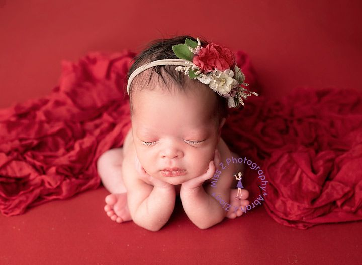 Check out this sweet little lady in red (great song, by Chris de Burgh, btw). #newborn #baby #ladyinred #roses #safetyfirst #computermagic #awardwinningphotographer #newbornphotographer #studiophotographer #nikon #love #daughter #sister #family #nbma #massachusetts #rhodeislandpic.twitter.com/zUALswJfXl
