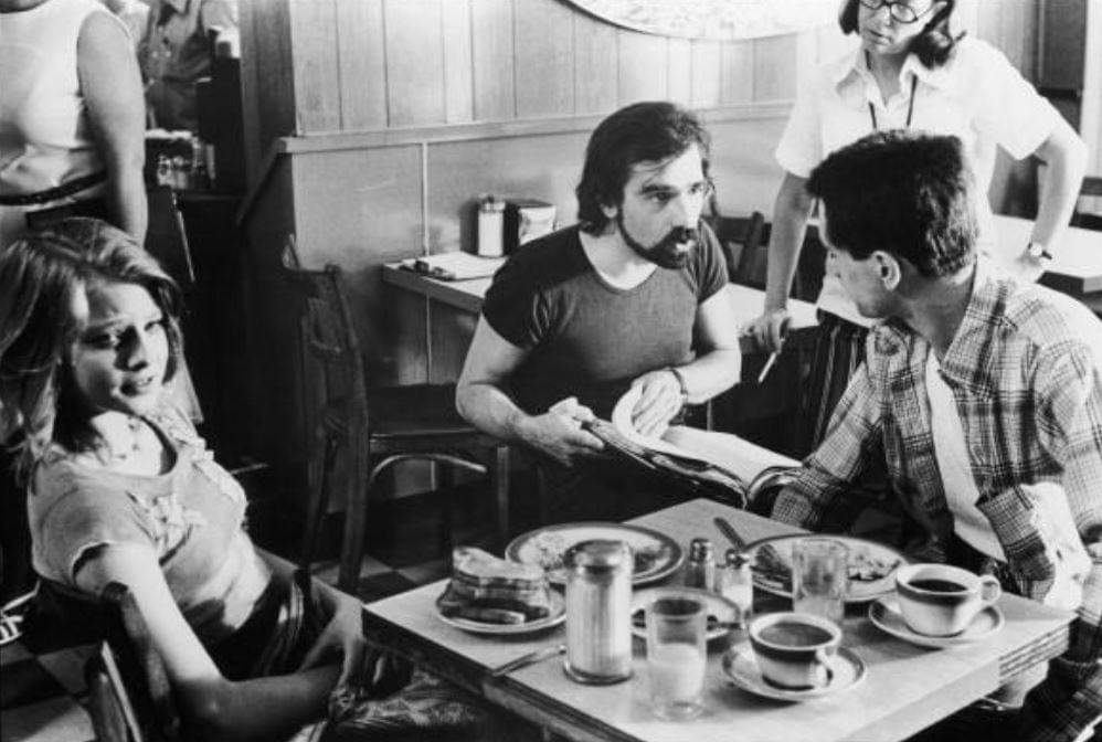 #BehindTheScenes Taxi Driver (1976)  Martin Scorsese, Robert De Niro ( and on the far left) Jodie Foster <br>http://pic.twitter.com/BFs7UAP0Gd