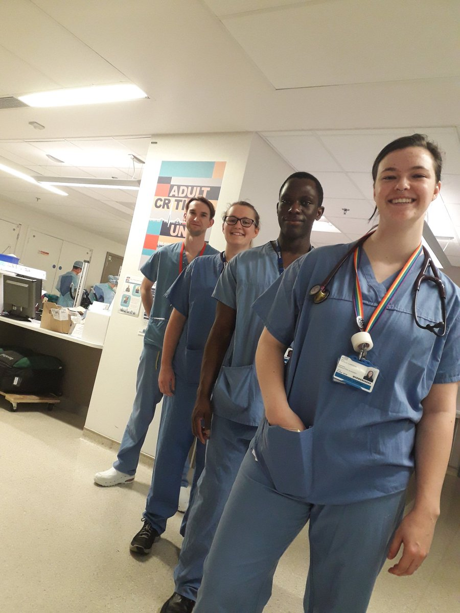Queen Mary trains final year medical students to help NHS fight coronavirus