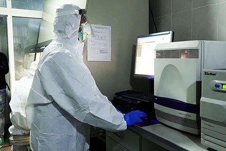 مبتلا شدن ۴۱ کارمند صحی به ویروس کرونا در هرات tolonews.com/fa/afghanistan…