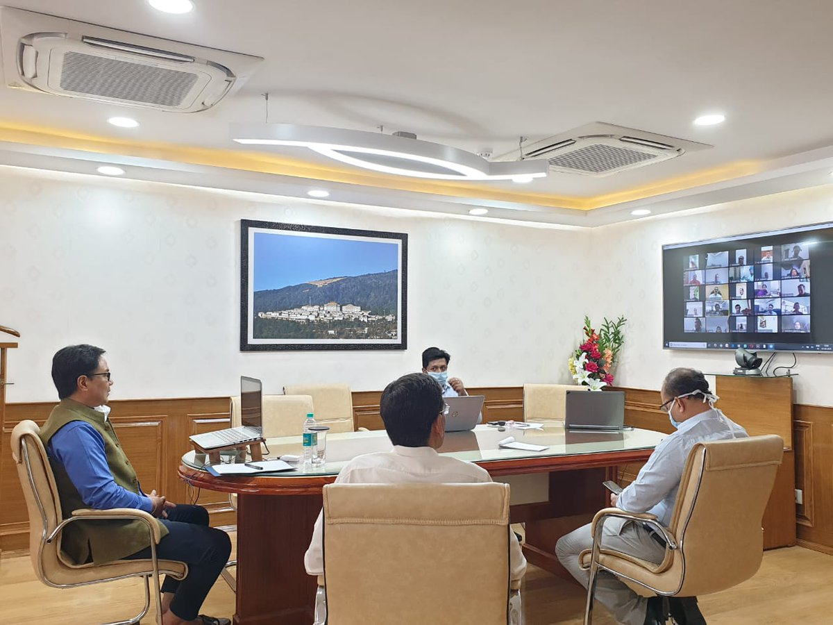 Shri @KirenRijiju  reviewed SAI facilities for athletes staying at SAI centers through Video Conferencing, today. He also took a note of TOPS athletes being in touch with experts to maintain the required physical and technical measures while staying at home due to #COVID19.pic.twitter.com/5GypLvVcYZ