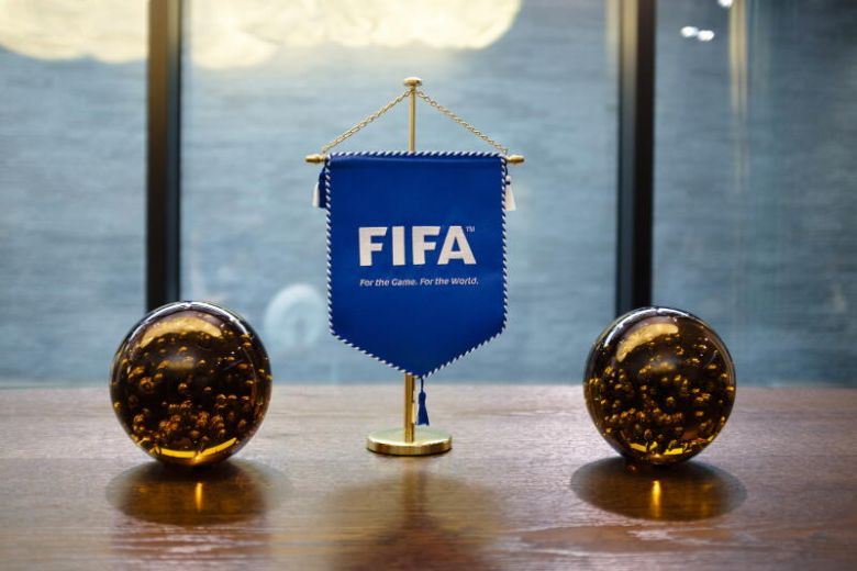 RUSSIA AND QATAR PAID BRIBES TO GET FIFA WORLD CUP HOSTING RIGHTS https://www.sportsvillagesquare.com/2020/04/07/russia-and-qatar-paid-bribes-to-get-fifa-world-cup-hosting-rights/…pic.twitter.com/IvRnysWtRe