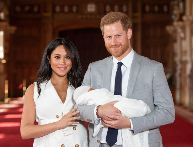 Meghan Markle and Prince Harry officially quit royal family and begin new lives in US mirror.co.uk/news/uk-news/m…