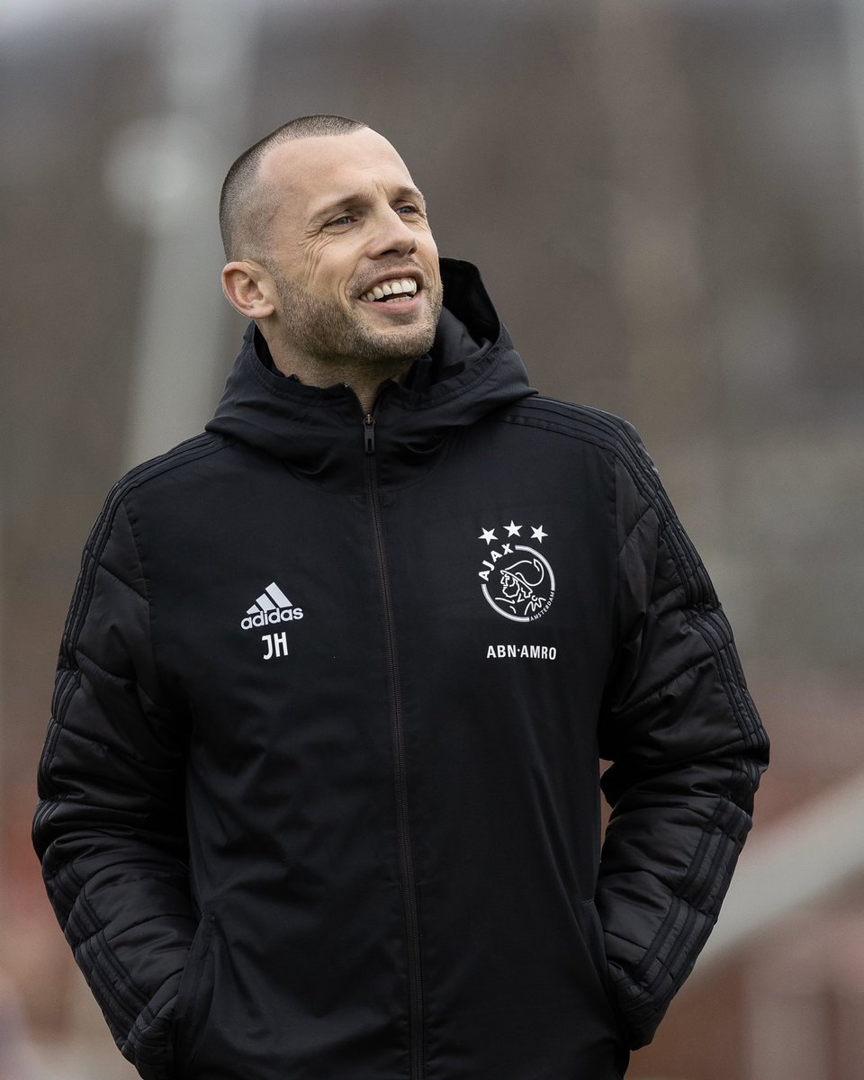 test Twitter Media - 𝙉𝙚𝙬 #AjaxPodcast 🎧  ❑ @JohnHeitinga  ❑ @VosDave   Luister nu ▸ https://t.co/0UDuirRggG https://t.co/gOiKp9lPMx
