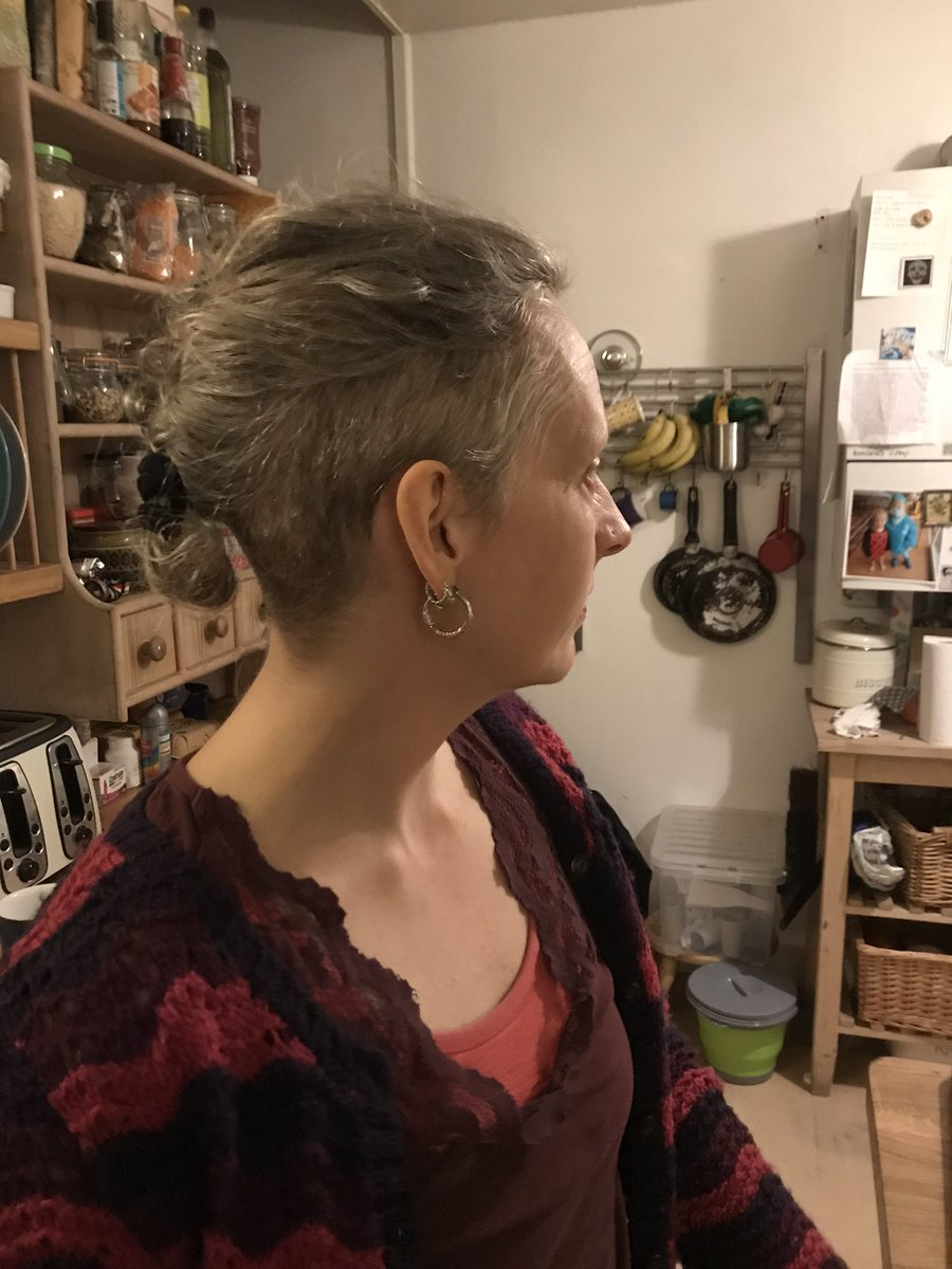 Was trying to think what we'd done at homeschool so far, but my mind went blank. Then I saw this and yes! We've played with clippers! In a throwback to my 90s I now have an undercut courtesy of my daughter. Clippering - where it's at this season! pic.twitter.com/sJncTITRBA