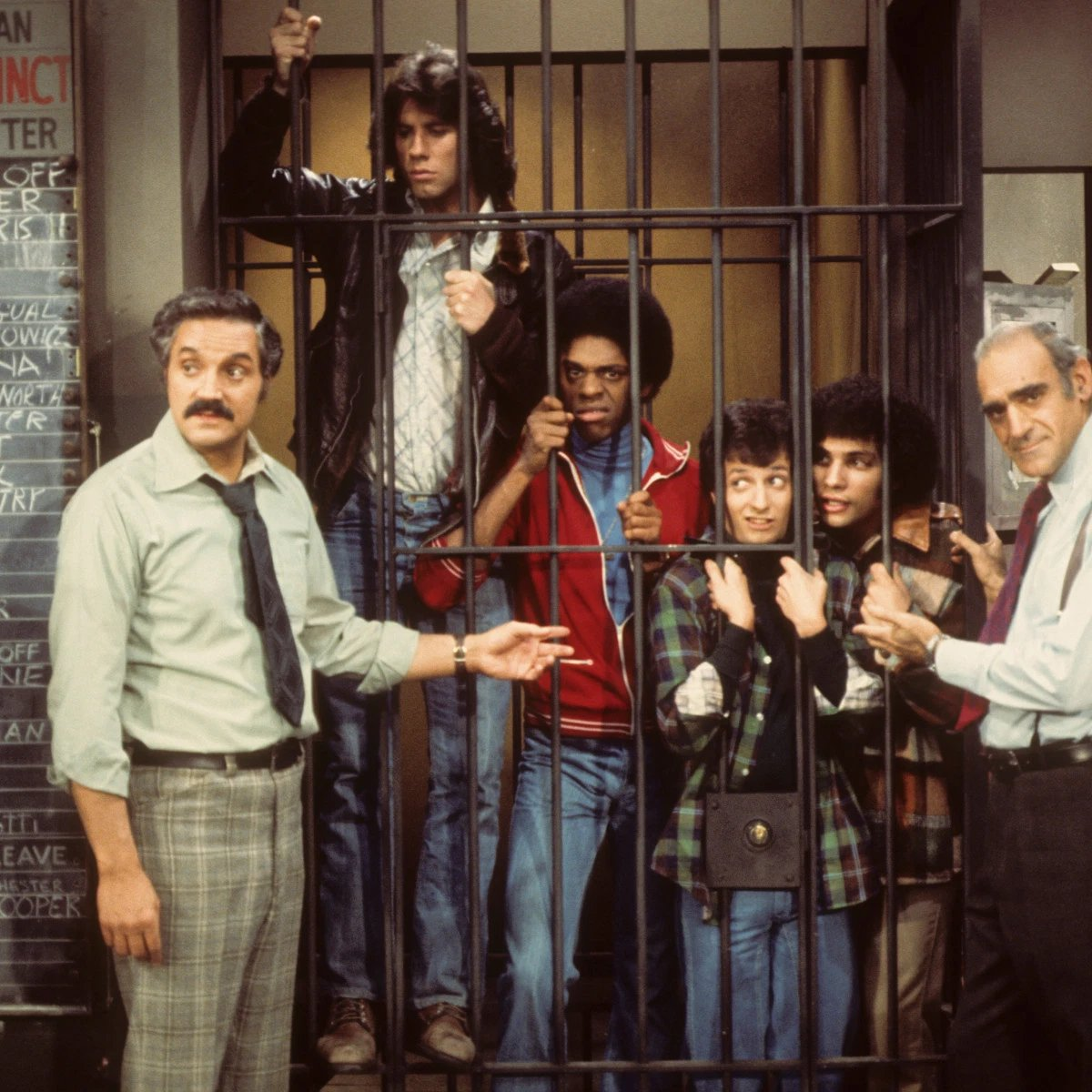 "The cast of ""Welcome Back, Kotter"" pay a visit to the set of ""Barney Miller"" in 1976.   <br>http://pic.twitter.com/nDY3IFeAVR"