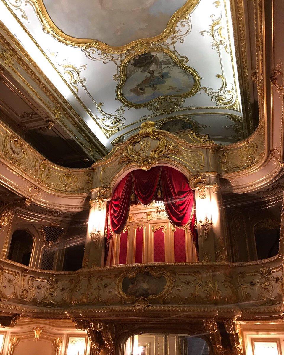 Online tour around Yusupov Palace in St. Petersburg, Russia  https://youtu.be/HGwDVQQDeKY #stpetersburg #russia #tsarevents #eventprofs #museum #museums #питер #россии #питере #санктпетербург #visitpetersburg #dreamnowvisitlater #StayHome #StayAtHome #Travel #culturepic.twitter.com/zOL58NgcFR
