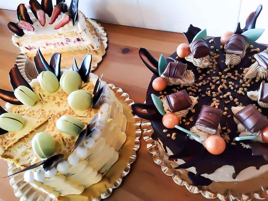 🍰🍩¿Conoces nuestros platos girasole para pastelería y repostería ⁉️ Entra en el siguiente enlace y descúbrelos ℹ️ ⬅️#imsanchis #pasteleria #panaderia #reposteria #papel