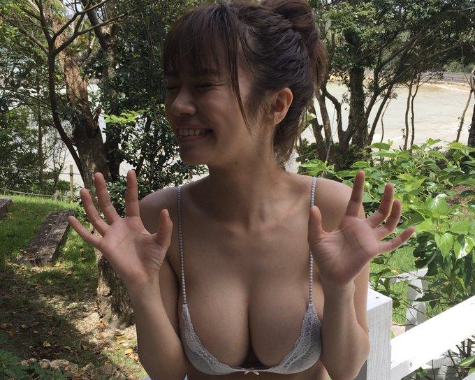 グラビアアイドル菜乃花のTwitter自撮りエロ画像23