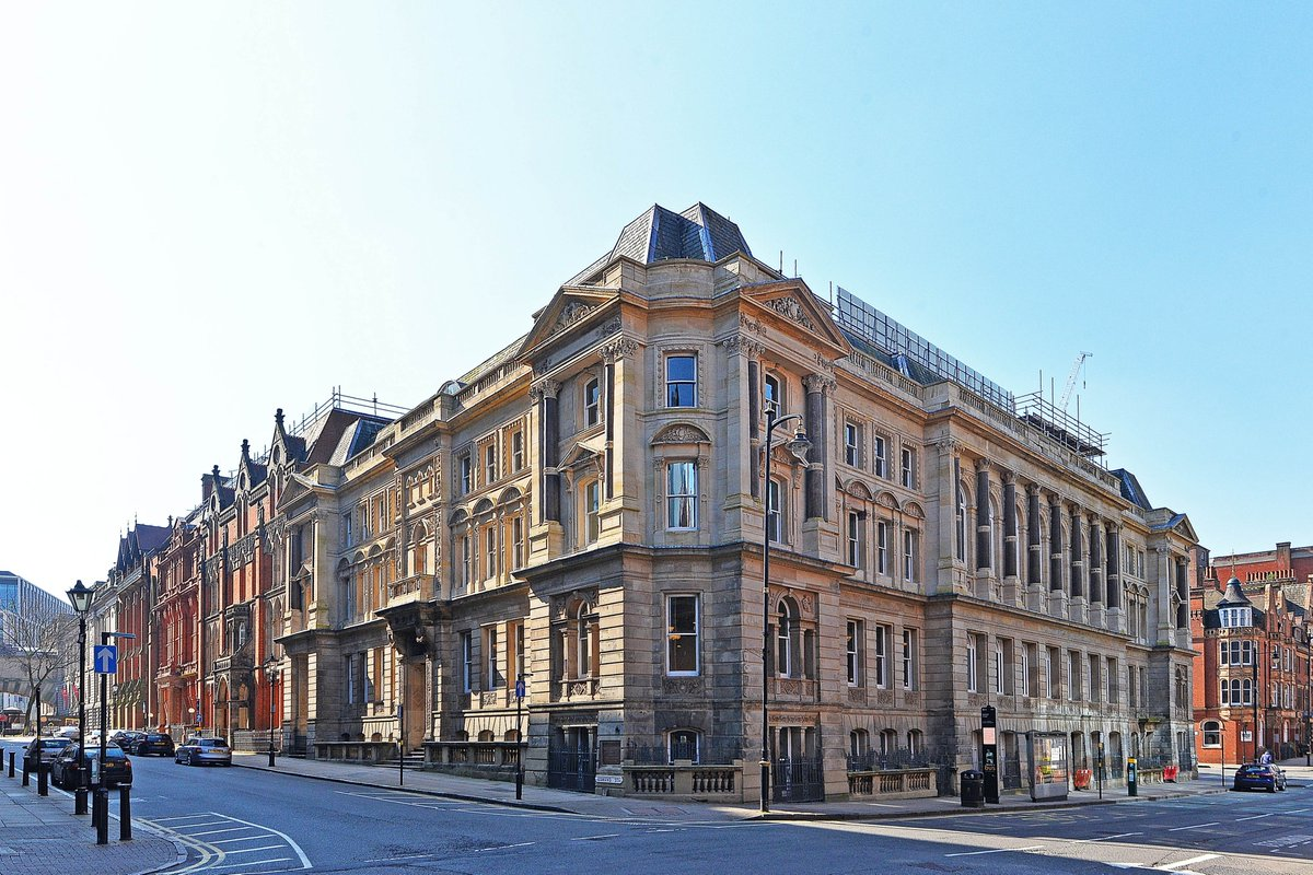 What a great job they did at renovating Louisa Ryland House. Now this beautiful building is once again a key asset to the CBD! #birmingham #beautiful pic.twitter.com/68jbPtLY3E