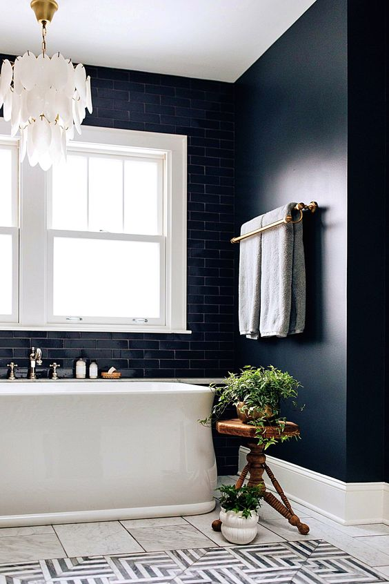 Saturday soaks are the new going out! What better way to end the day than with a relaxing hot bath. Plus why not turn your bathroom into a private spa with candles and music for the ultimate at home relaxation!  #IdealStayAtHomeShow https://t.co/OzQpGyRy6W