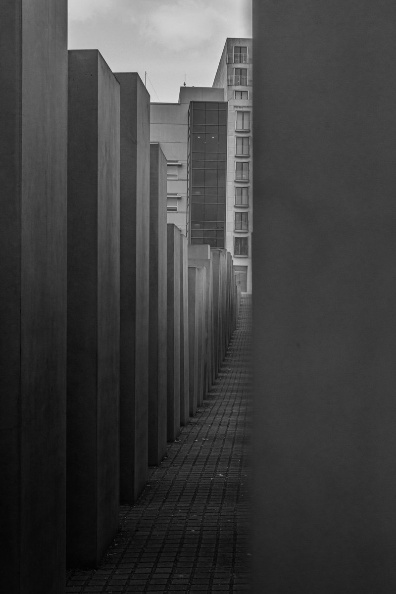 More #YaitsBW @Yaitsbabar  Love the perspectives and angles of the memorial in #Berlin pic.twitter.com/mFsMPLnZIL